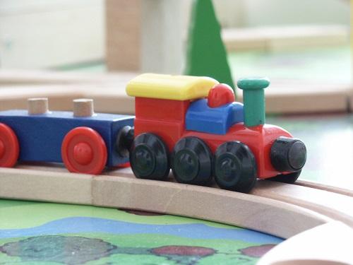 Train pour enfant : quel âge, quel jouet ?